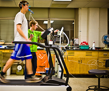 UB Specialized Exercise Regimen Shown to Relieve Prolonged Concussion Symptoms | UB Reporter